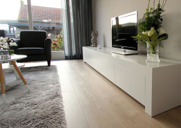 Douwes® Dekker elegant eigentijds blank eiken 4V 24,3 cm breed